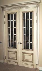 Двери входные и межкомнатные из дуба,  бука,  ясеня.