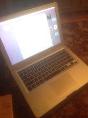 Продаю ноутбук apple air в очень хорошем состоянии